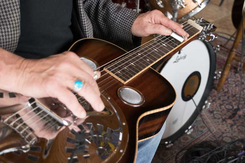 Photo of Bobby D playing Dobro at The Dancing Cat